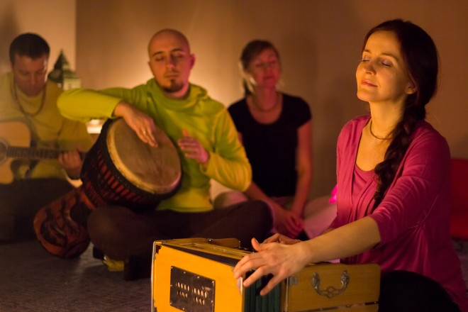 Medytacja Kirtan - odpocznij w dźwięku mantr